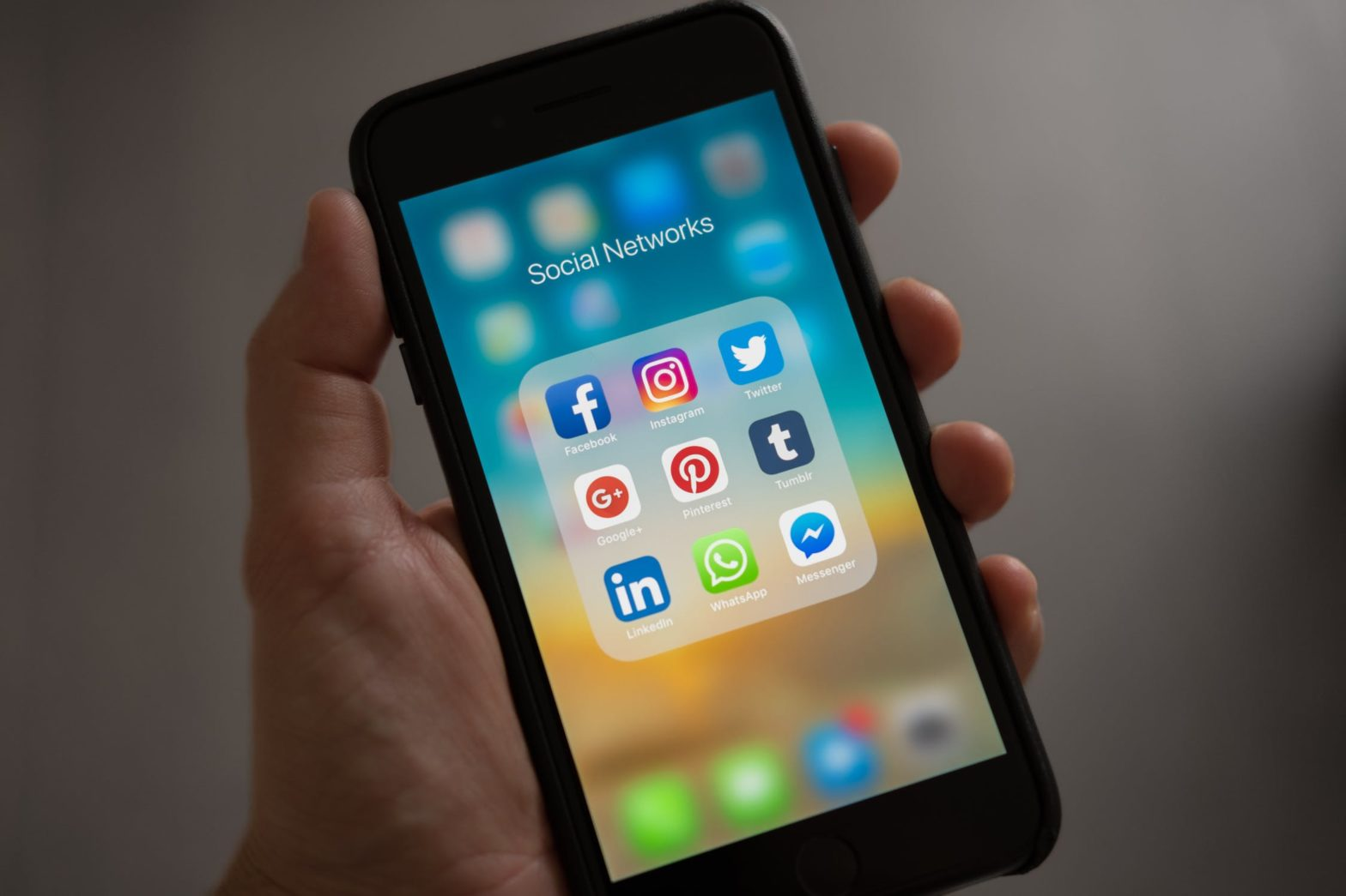 Six Ways to Use Social Media For Business